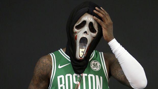Μήνυση στον Ροζίερ από την εταιρία που δημιούργησε τη διάσημη μάσκα του