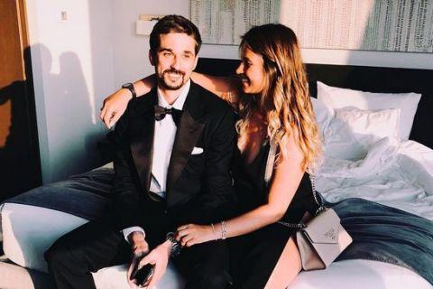 MVP η σύντροφος του Σβεντ με το σέξι μαύρο φόρεμά της