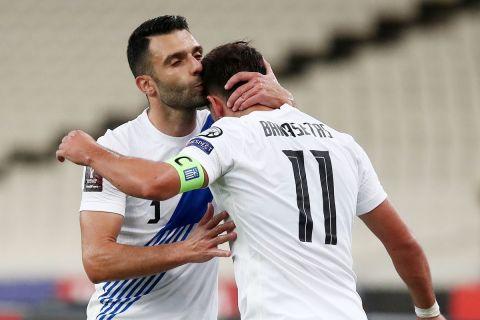 Οι Τζαβέλας και Μπακασέτας μετά το 1-0 της Εθνικής μας ομάδας