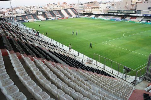 Το γήπεδο του ΟΦΗ πριν απ' την αναμέτρηση με τον ΠΑΟΚ για τα playoffs της Super League Interwetten.