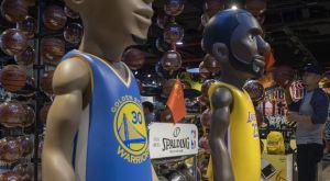 Αγωγή στο NBA Store επειδή δεν πλήρωσε ενοίκιο Απρίλιο και Μάιο