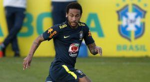 Εθνική Βραζιλίας: Ο Νεϊμάρ δέχθηκε ποδιά και έριξε κάτω τον 19χρονο Γουέβερτον
