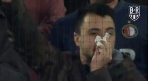 Europa League: Οπαδός της Φέγενορντ τραγουδά με ανοιγμένη μύτη