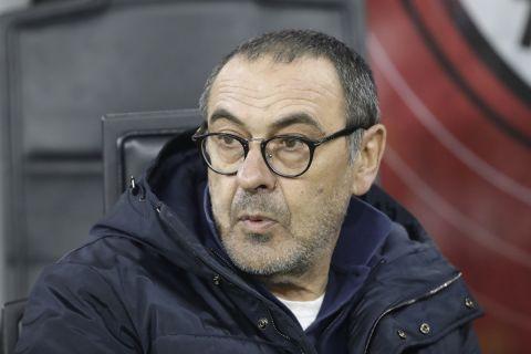Ο Μαουρίτσιο Σάρι παρακολουθεί από τον πάγκο της Γιουβέντους ματς για το Κύπελλο Ιταλίας κόντρα στην Μίλαν (13 Φεβρουαρίου 2020)