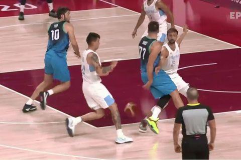 Ο Λούκα Ντόντσιτς πασάρει την μπάλα