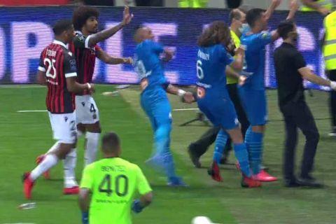 Στιγμιότυπο από τον επεισοδιακό αγώνα της Νις με την Μαρσέιγ για την Ligue 1 | 22 Αυγούστου 2021