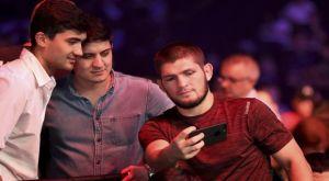 Khabib Nurmagomedov: «Γκρέμισαν τα τείχη» για τον πρωταθλητή πάνω από 26.000 Νταγκεστανοί στο γήπεδο της Ανζί