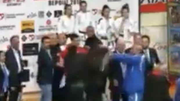 Έπεσαν μπουνιές σε απονομή μεταλλίων πρωταθλήματος τζούντο