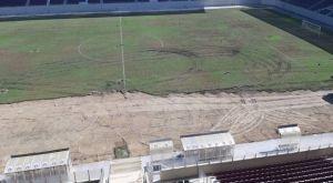 Εικόνες από την αλλαγή χλοοτάπητα στο AEL FC Arena