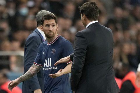 Ο Λιονέλ Μέσι την ώρα της αλλαγής του στο Παρί Σεν Ζερμέν - Λιόν για την Ligue 1   19 Σεπτεμβρίου 2021