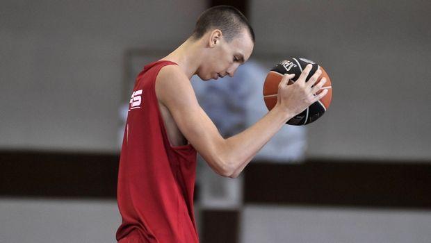 Στην εθνική Σερβίας U17 ο Ποκουσέφκσι