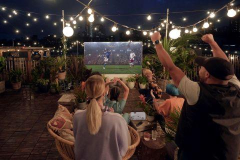 Φτιάξε το δικό σου γήπεδο στο σπίτι με έναν βιντεοπροβολέα