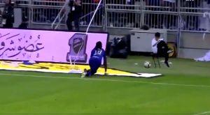 Ο Γκομίς πανηγύρισε ως πάνθηρας και τρόμαξε ball-boy! (VIDEO)