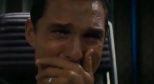 Επικό βίντεο για τα διαρκείας: Ο Μάθιου ΜακΚόναχι κλαίει γιατί… έχασε την προθεσμία!