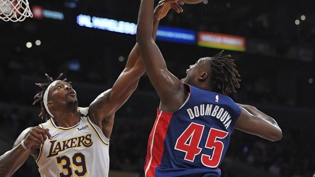 NBA: Τα 20 μπλοκ των Λέικερς απέναντι στους Πίστονς
