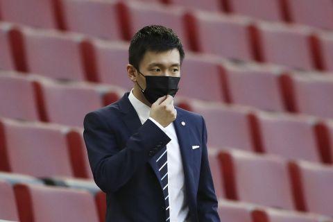 Ο πρόεδρος της Ίντερ, Στίβεν Ζανγκ στην αναμέτρηση με τη Σεβίλλη για το Europa League