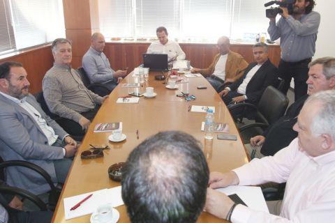 """Πανόπουλος: """"Εμείς συμφωνήσαμε. Ας τα βρουν ΕΠΟ και πολιτεία"""""""
