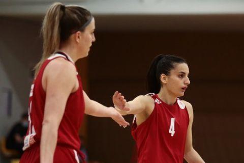 Η Σταμολάμπρου σε στιγμιότυπο από αγώνα του Ολυμπιακού στην Α1 Γυναικών