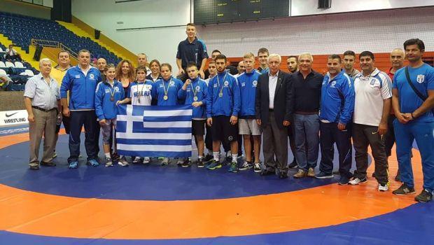 Συλλέκτες μεταλλίων οι Έλληνες παλαιστές!