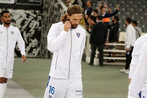 Ο Ντμίτρο Τσιγκρίνσκι κατά τη διάρκεια του αγώνα πρωταθλήματος με την ΑΕΚ | 12 Σεπτεμβρίου 2021