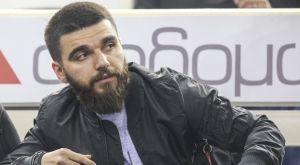 Στο ΠΑΟΚ – Ηρακλής ο Γιώργος Σαββίδης με σπέσιαλ μπλουζάκι