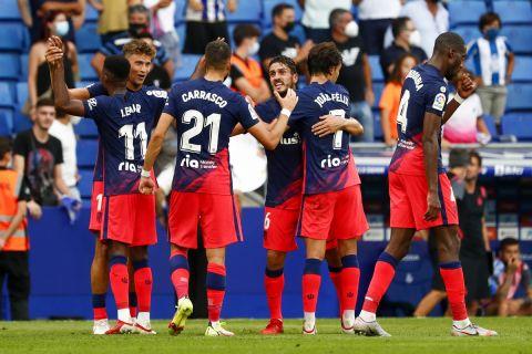 Οι παίκτες της Ατλέτικο Μαδρίτης πανηγυρίζουν γκολ του Λεμάρ κόντρα στην Εσπανιόλ   12 Σεπτεμβρίου 2021