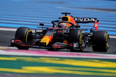 Ο Μαξ Φερστάπεν στην δεύτερη περίοδο των ελεύθερων δοκιμών της Formula 1