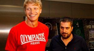 Ολυμπιακός: Το VIDEO της άφιξης του Κουζμίνσκας