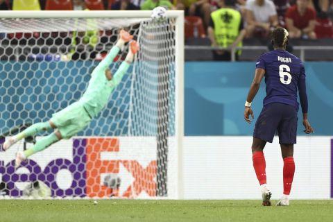 Ο Πολ Πογκμπά σουτάρει για το 3-1 στο ματς της Γαλλίας με την Ελβετία   28 Ιουνίου 2021