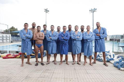 Ο Γιώργος Καπουτζίδης με τους αθλητές του πόλο