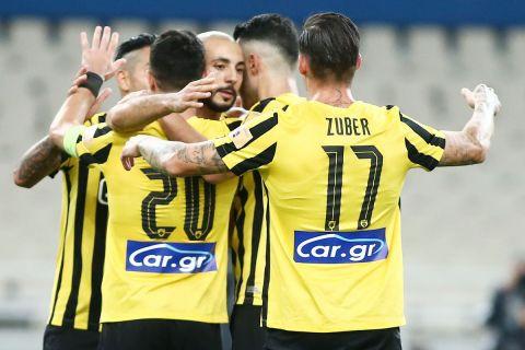 Οι παίκτες της ΑΕΚ πανηγυρίζουν τη νίκη τους επί του Ιωνικού | 12 Σεπτεμβρίου 2021