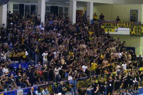 Ο κόσμος της ΑΕΚ στον τελικό κόντρα στην Ίσταντς