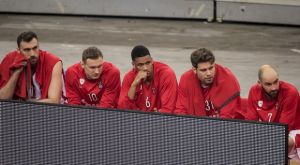 Ολυμπιακός – Χίμκι: Ενόχληση της Nova με EuroLeague λόγω του ρεπόρτερ πάγκου στο ΣΕΦ
