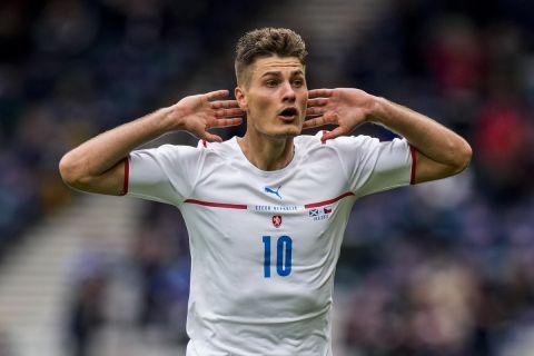 Ο Πάτρικ Σικ πανηγυρίζει το γκολ του στο Σκωτία - Τσεχία | 14 Ιουνίου 2021