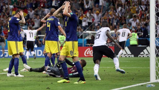 Ζωντανή η Γερμανία, 2-1 τη Σουηδία με γκολ - όνειρο του Κρόος στο 95'!