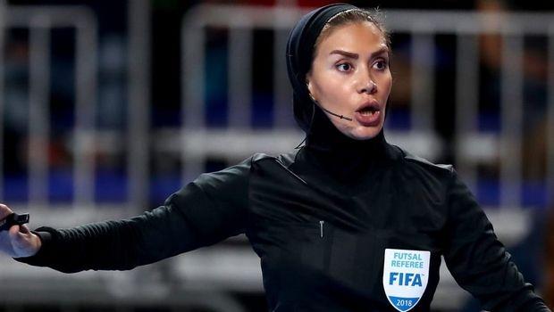 Τζέλαρεχ Ναζέμι: Η πρώτη γυναίκα διαιτητής futsal από το Ιράν με σήμα FIFA