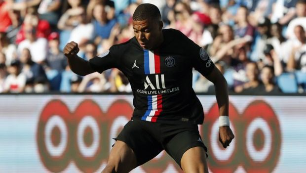 Paris Saint Germain's Kylian Mbappe controls the ball during a friendly soccer match between Paris Saint Germain and Le Havre, in Le Havre, western France, Sunday, July 12, 2020. (AP Photo/Thibault Camus)