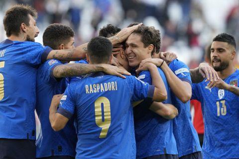 Οι παίκτες της Ιταλίας πανηγυρίζουν γκολ κόντρα στο Βέλγιο στον μικρό τελικό του Nations League | 10 Οκτωβρίου 2021