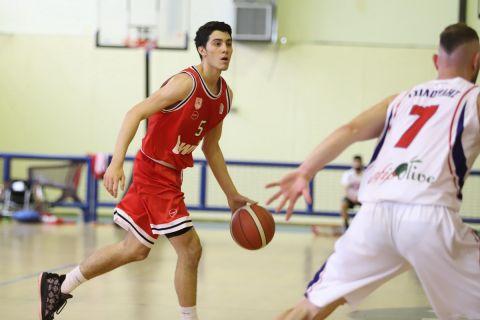 Ο Αλέξανδρος Νικολαϊδης με την φανέλα του Ολυμπιακού Β