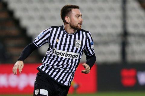 Ο Ζίβκοβιτς πανηγυρίζει γκολ του με τη φανέλα του ΠΑΟΚ