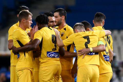 Παίκτες της ΑΕΚ πανηγυρίζουν γκολ που κόντρα στον Απόλλωνα Λεμεσού σε φιλική αναμέτρηση στο Ολυμπιακό Στάδιο | Πέμπτη 15 Ιουλίου 2021