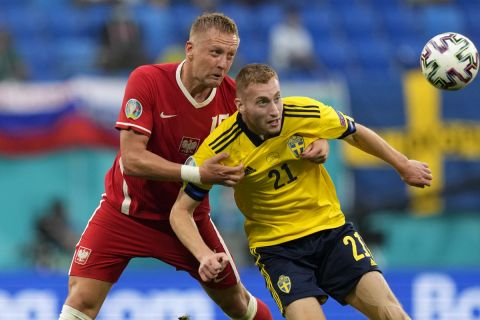 Στιγμιότυπο απ' την αναμέτρηση ανάμεσα στη Σουηδία και την Πολωνία για το Euro 2020.