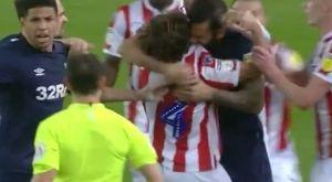 Παίκτης στην Αγγλία έπαθε… Σουάρες, δάγκωσε τον Άλεν και δεν αποβλήθηκε