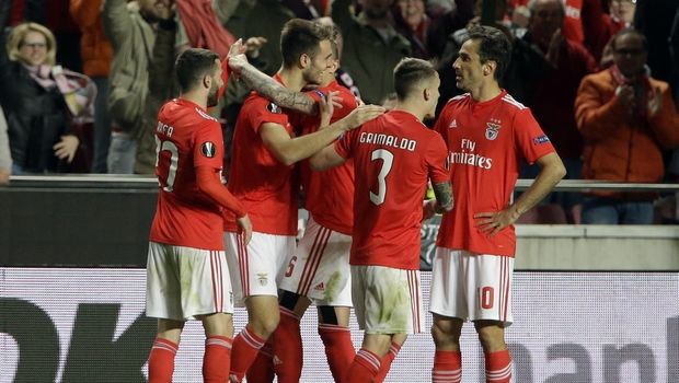 Benfica, AP IMAGES
