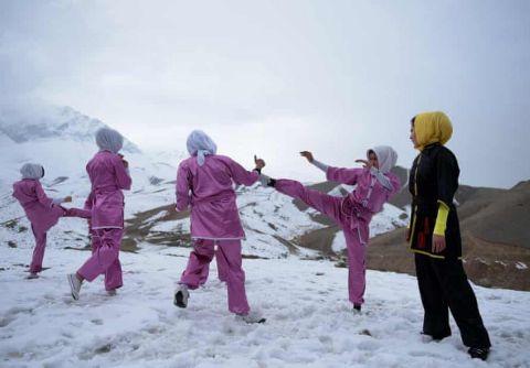 Γυναίκες στην Καμπούλ προπονούνται στην αυτοάμυνα