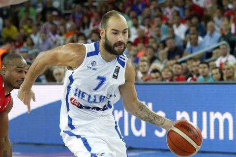 Ο Βασίλης Σπανούλης σε φάση από τον αγώνα Ελλάδα - Κροατία, στο EuroBasket 2015, στην τελευταία του διοργάνωση με την εθνική ομάδα