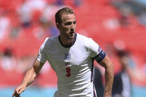 Ο Χάρι Κέιν με τη φανέλα της Αγγλίας κόντρα στην Κροατία στο Euro 2020