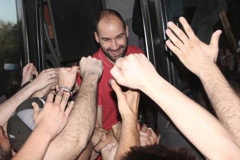 """Σπανούλης στους οπαδούς του Ολυμπιακού: """"Σας ευχαριστώ γιατί με τιμήσατε και με αγαπήσατε, όπως σας αγάπησα κι εγώ"""""""
