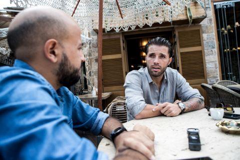 Ο Βασίλης Πλιάτσικας με τον Ηλία Καλλονά στη συνέντευξη στο SPORT24