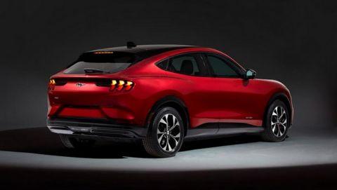 Mustang SUV, ηλεκτρική και τετρακίνητη